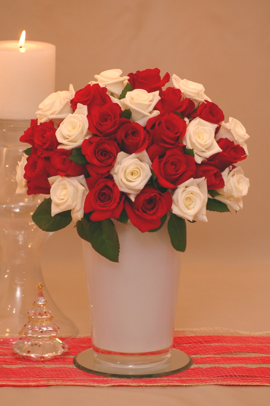 Send Your Holiday Greetings with Flowers
