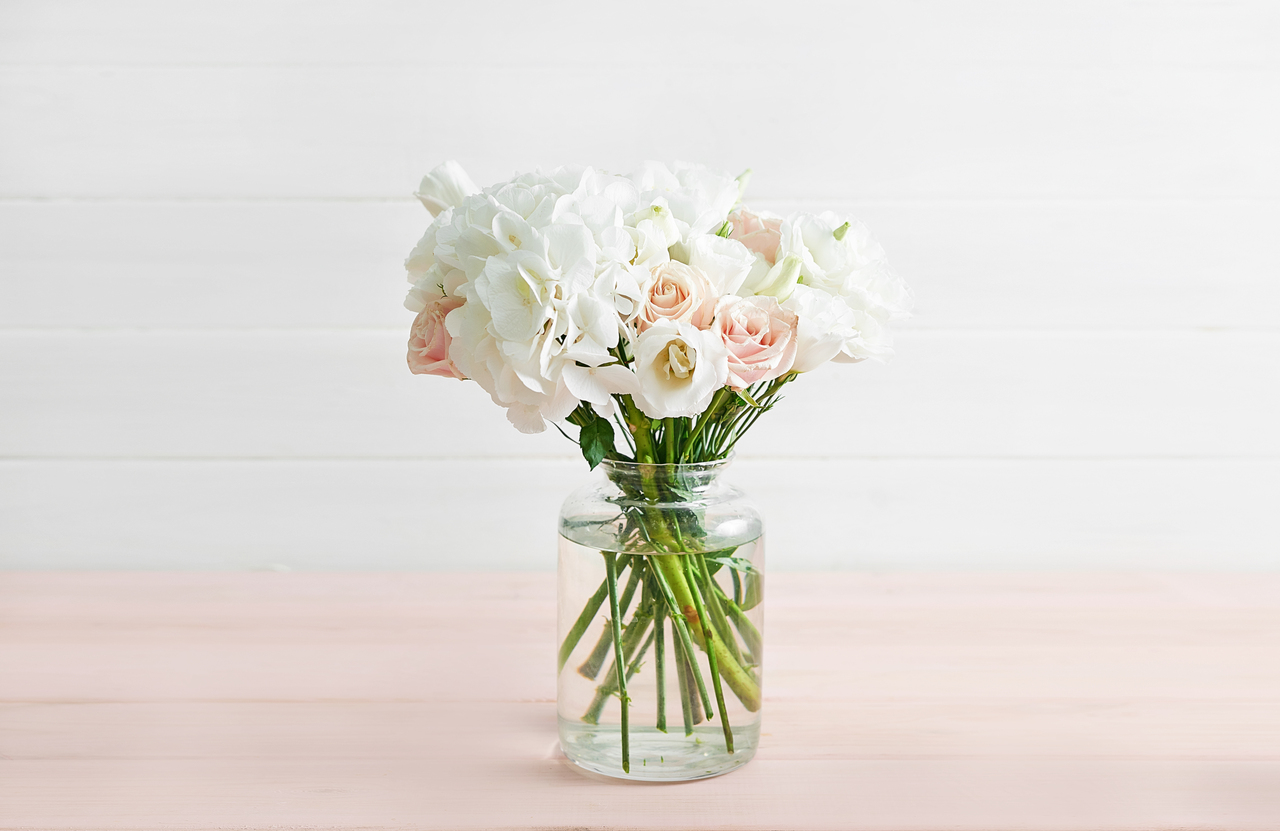 4 Home Office Floral Arrangements To Inspire Productivity